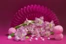 Композиция в цвете амарант
