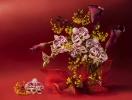Orchidea z kwiatami klonu